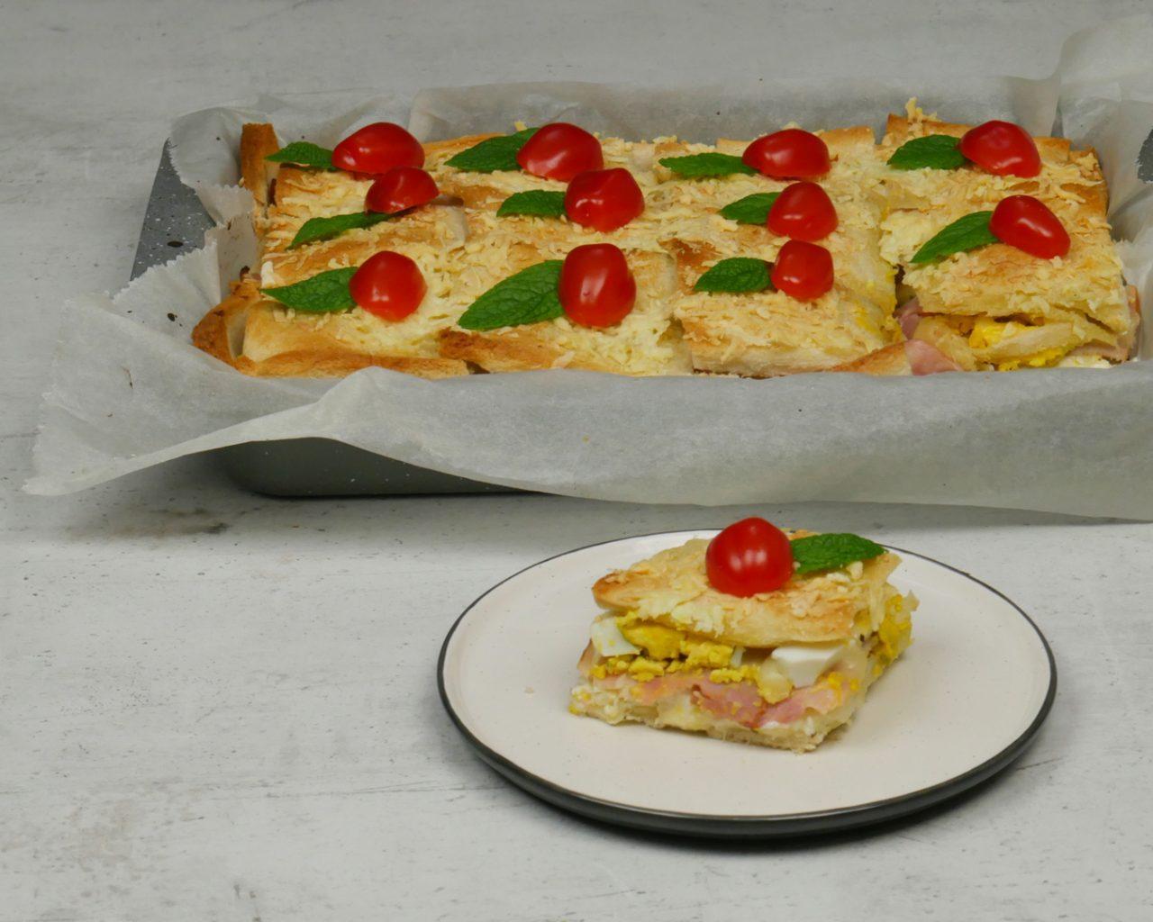 Πεντανόστιμη αλμυρή λιχουδιά με ψωμί του τοστ και τυριά για το μπουφέ σας
