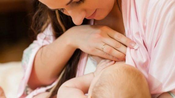 Τα 6 πράγματα που πρέπει να πετάξεις από τη ζωή σου για να θηλάσεις το μωρό σου