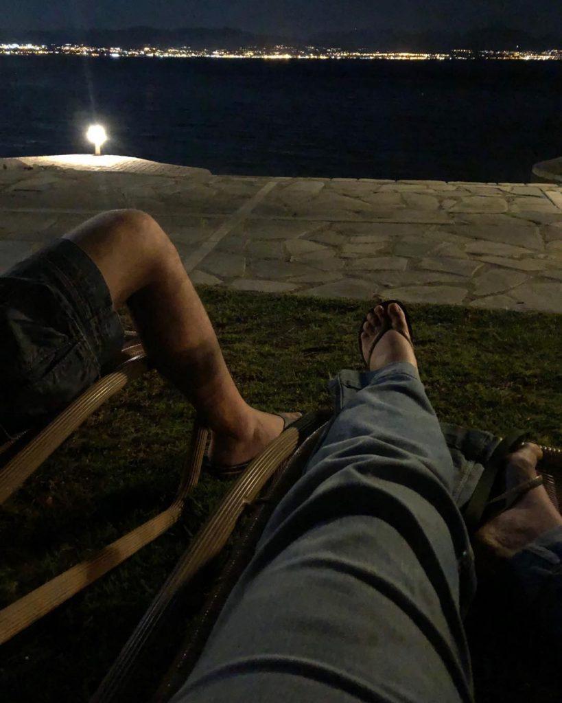 Βασιλική Ανδρίτσου- Πιο ευτυχισμένη από ποτέ απολαμβάνει τη θάλασσα με την kόρη της (φώτο)
