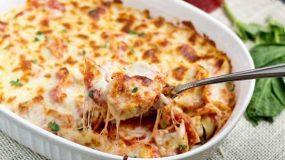 Τορτελίνια με σάλτσα ντομάτας και τυρί στο φούρνο