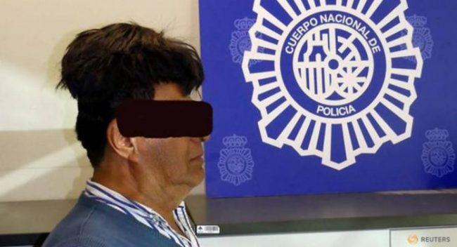 Ταξιδιώτης συνελήφθη με μισό κιλό κοκαΐνη κάτω από το περουκίνι του-Πως τον κατάλαβαν άραγε;