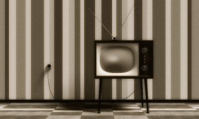 Γιατί χιλιάδες τηλεοράσεις εκρήγνυνταν τα πρώτα χρόνια λειτουργίας. Η σύσταση που έγινε εμμονή σε όλους τους γονείς: «η tv μακριά από τον τοίχο και τα καλοριφέρ».