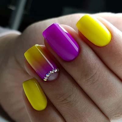 45 ιδέες για μπανανί νύχια και άλλα τέλεια μανικιούρ σε κίτρινο χρώμα