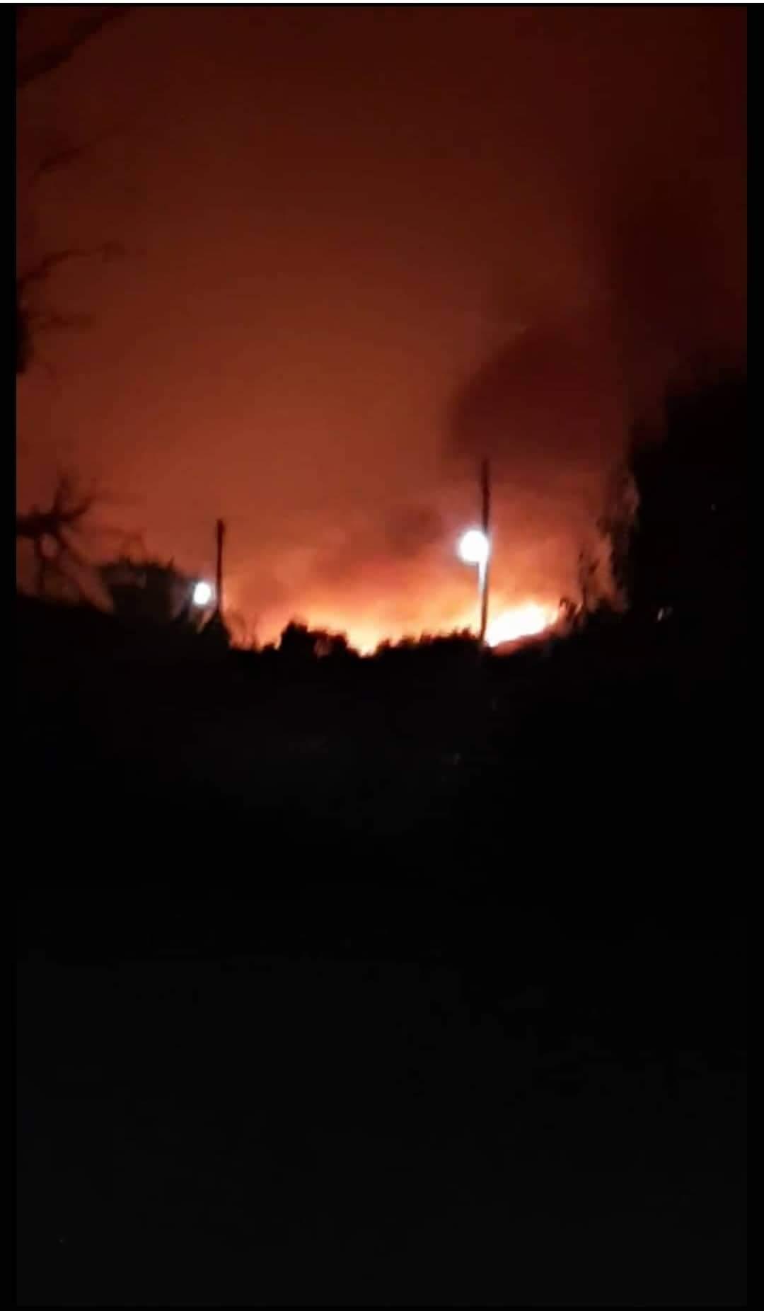 Η φωτιά έχει πλησιάσει πολύ κοντά στα Ψαχνα