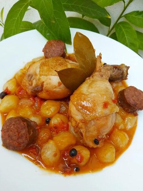 Μαμαδίστικη συνταγή! Κοτόπουλο στιφάδο όλο γεύση και άρωμα!