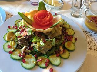 Σαλάτα τριαντάφυλλο με μουστάρδα, μέλι και μπαλσάμικο!