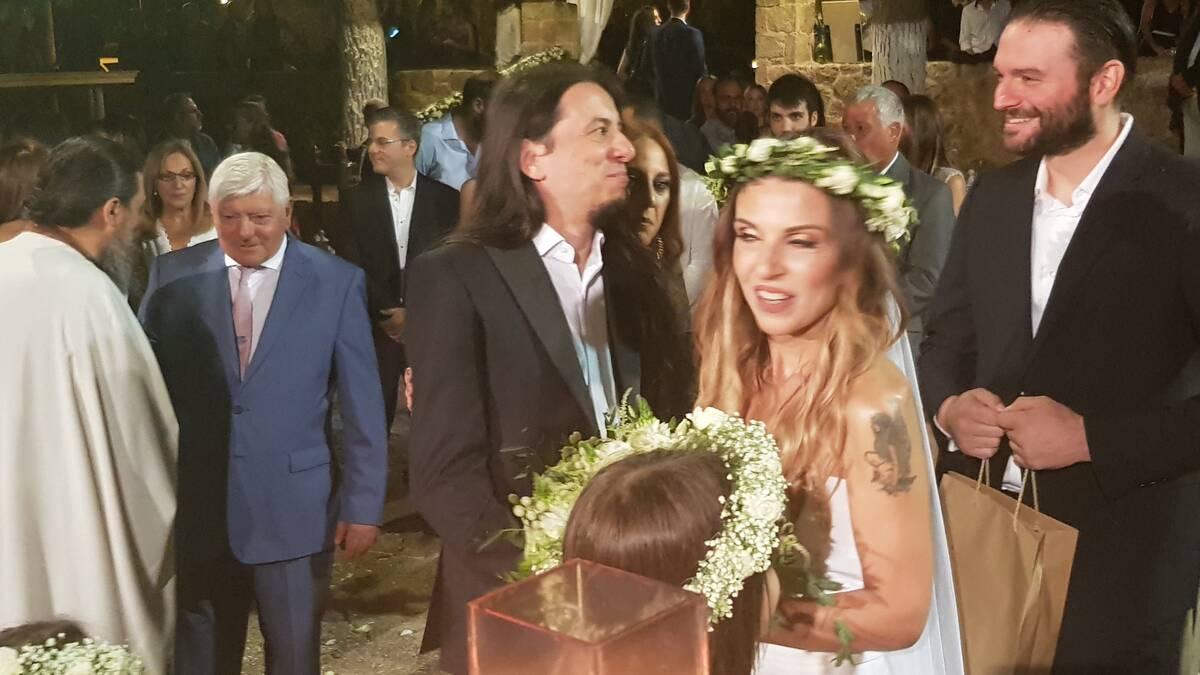Γάμος Ευρυδίκης - Κατσιώνη: To πολύτιμο δώρο στους νεόνυμφους και η συγκίνηση βιντεο και φωτο