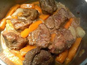 Μοσχαράκι Με Λαχανικά Και Αρωματική Σάλτσα(3 Μονάδες)