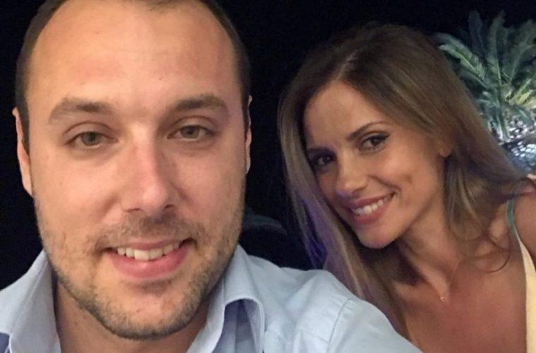 Βασίλης Λιάτσος – Ελένη Καρποντίνη: Βάφτισαν τον δεύτερο γιο τους στην Τήνο! (εικόνα)