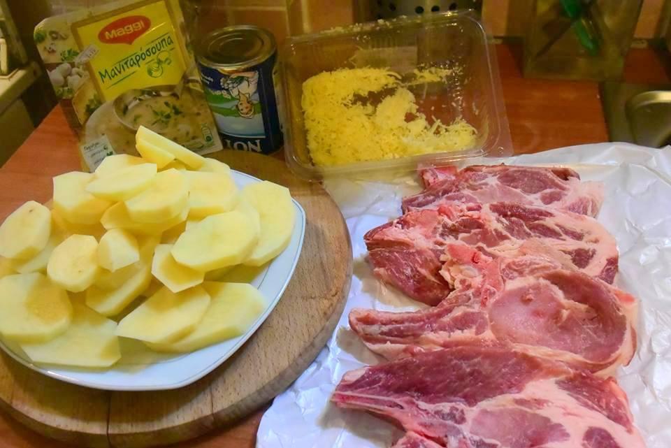 Οι πιο μαλακές και ζουμερές μπριζόλες με σάλτσα μανιταριών που έχετε φάει!