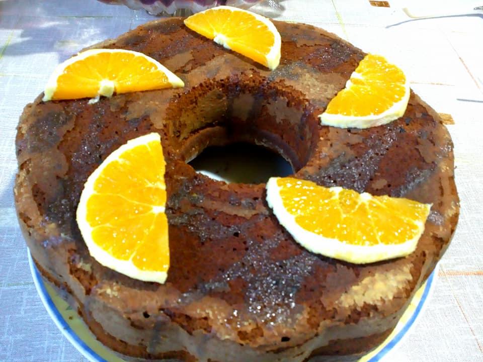 Πορτοκαλόπιτα σαν κέικ με σοκολάτα που λατρεύουν τα παιδιά