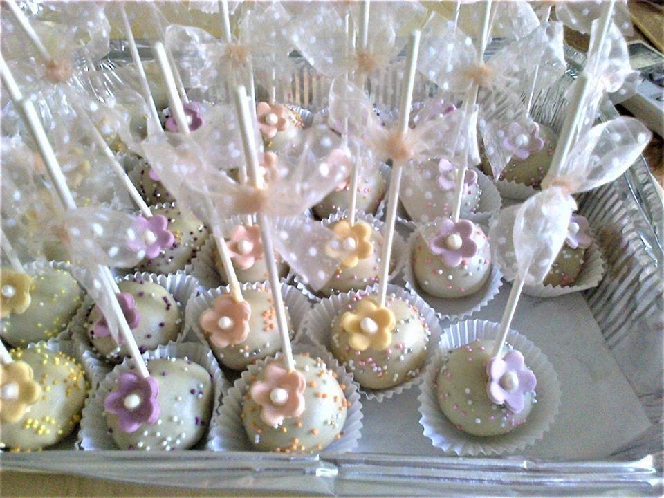 Υπέροχα χειροποίητα Cakepops για το πάρτι τον γάμο ή τη βάφτιση