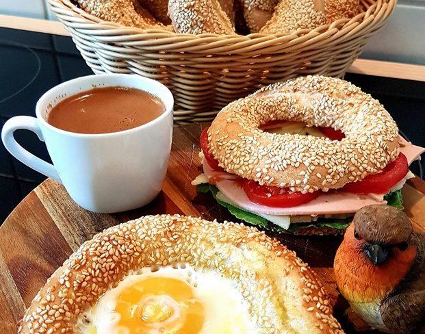 Κουλούρι Θεσσαλονίκης στο τηγάνι με αυγό- Ένα ιδανικό κολατσιό