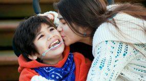 """""""Ο αδερφός μου μεγάλωσε σε αναπηρικό αμαξίδιο"""" Η καθημερινότητα & τα μαθήματα ζωής που πήρε αυτή η κοπέλα"""