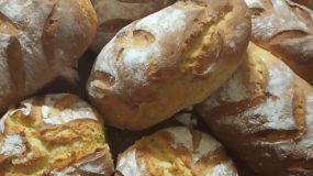 Τα πιο αφράτα και ζυμωτά ψωμάκια