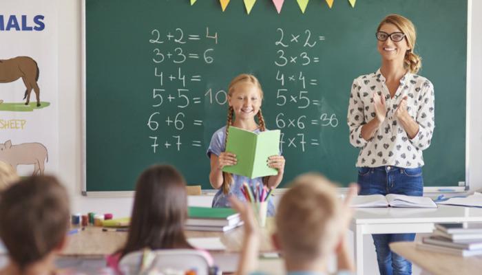 Το ξέσπασμα μιας «άχρηστης» δασκάλας: Είμαι αυτή που στηρίζει το παιδί σου και ας λες ότι με πληρώνεις και κάθομαι