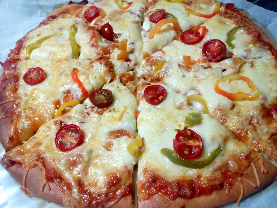 Πολύ γρήγορη και εύκολη πίτσα με ζύμη από χυλό! Πιο αφράτη δεν γίνεται