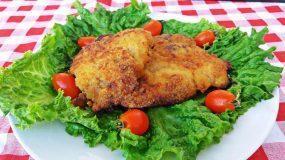 Μαγειρεύοντας με την Αρετή: Χοιρινές μπριζόλες με κρούστα παρμεζάνας