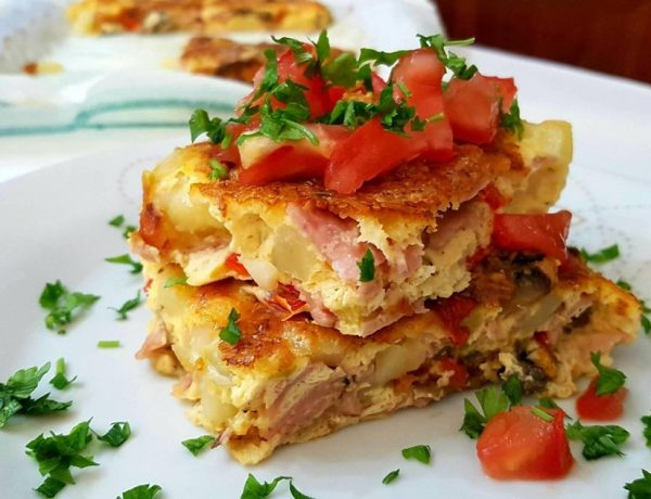 Η πιο νόστιμη ομελέτα φούρνου με λαχανικά και αλλαντικά για κάθε γεύμα