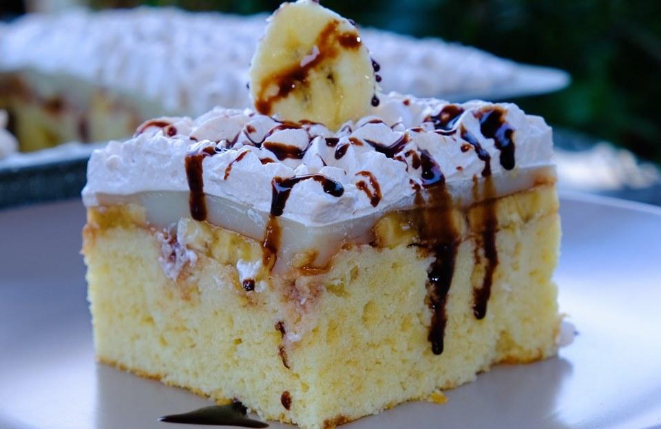 Φανταστικό γλυκό ψυγείου με Mπανάνα - BEST BANANA PUDDING POKE CAKE