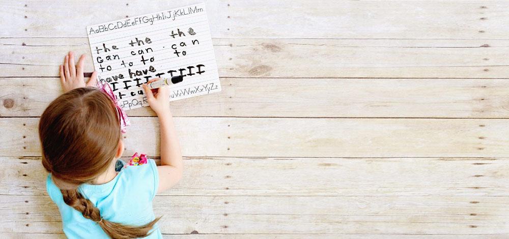 Οι 10 ερωτήσεις που θα βοηθήσουν να καταλάβετε αν δυσκολεύεται το παιδί στα αγγλικά!