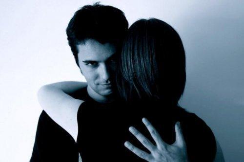 Όταν το σώμα ξεσπάει-Αυτά είναι τα 4 σημάδια ψυχολογικής βiας στο σώμα!