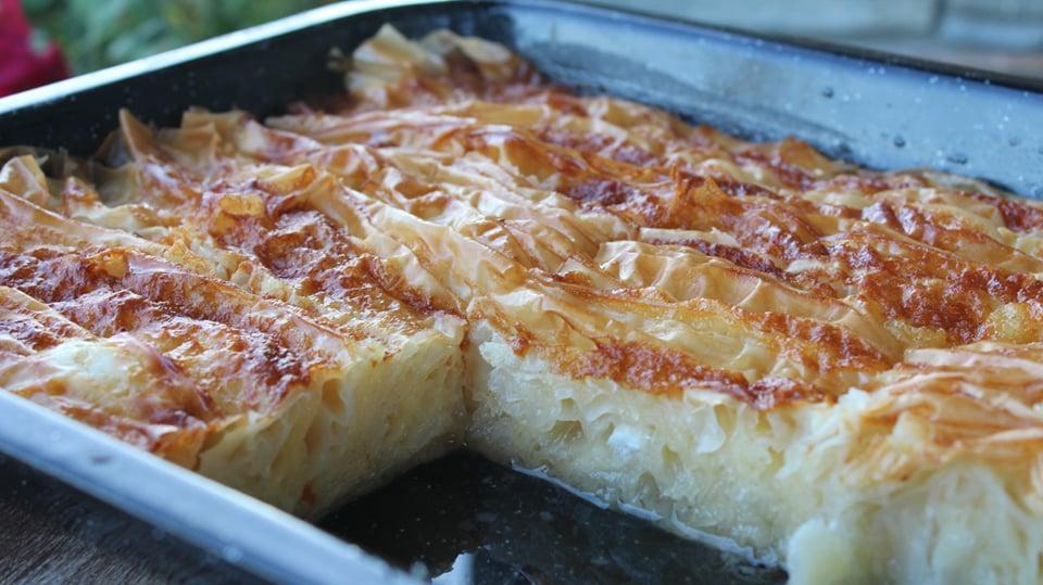 Σιροπιαστή Πατσαβουρόπιτα εύκολη και λαχταριστή- Patsavouropita