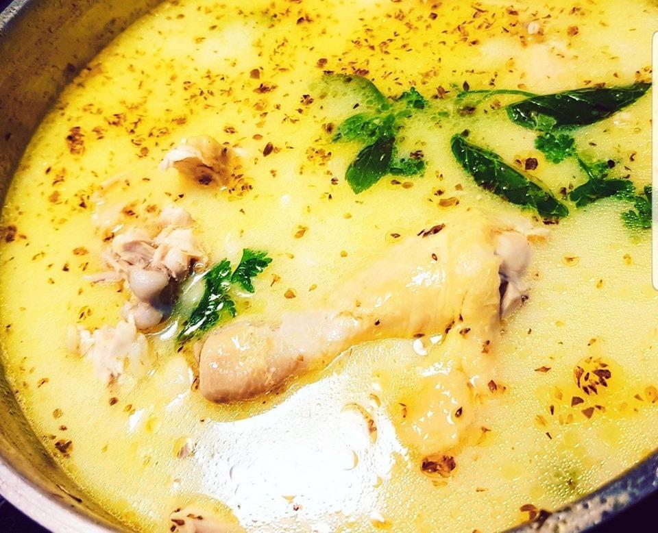 Πεντανόστιμη κοτόσουπα με κουρκουμά για τα πρώτα κρύα μεσημέρια μας!