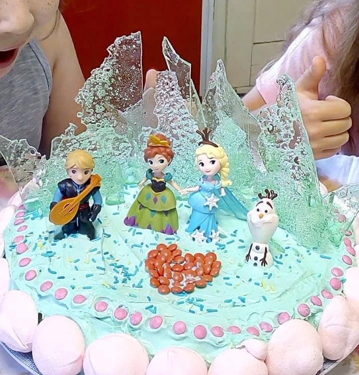 Τούρτα Frozen πολύ εύκολη για το παιδικό πάρτι!