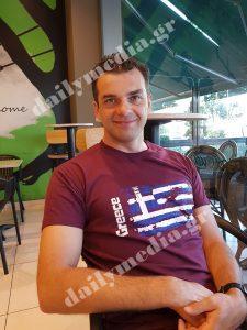 Μελαχρινός, ωραιότερος και απ' τον Μπίλυ: Τον σύζυγο της Γωγώς του «Καφέ της Χαράς» δεν γίνεται να μην τον ερωτευτείς (εικόνες)
