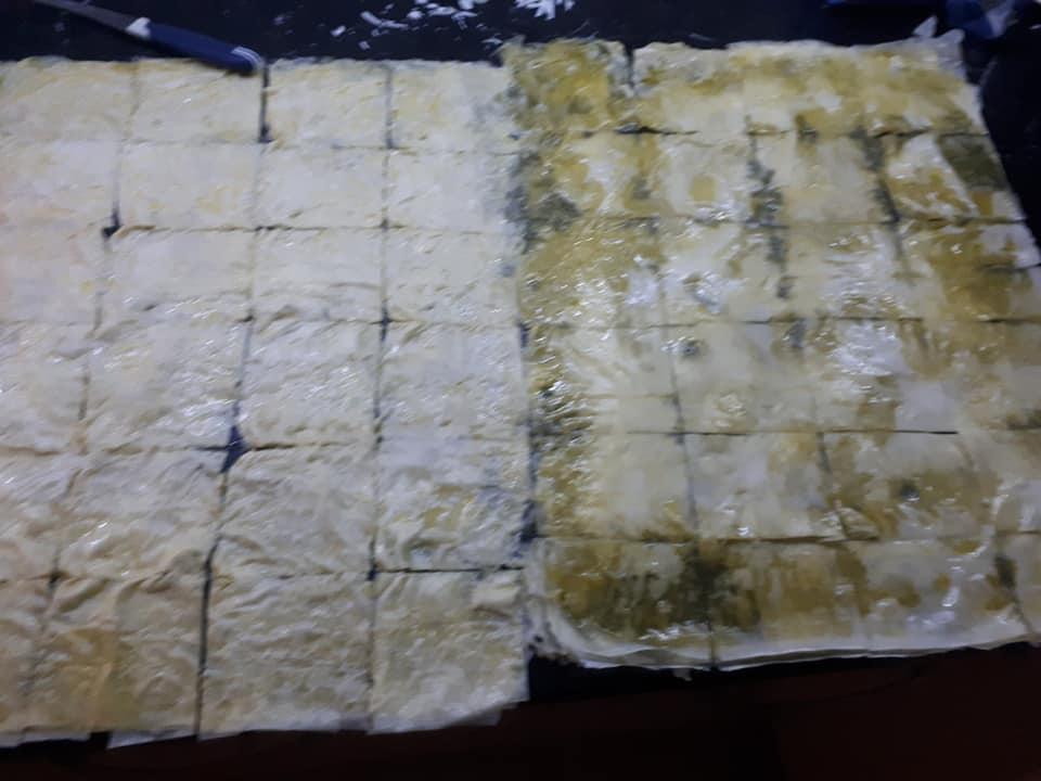 Σιροπιαστά πουγκάκια με κρέμα και φιστίκια Αιγίνης