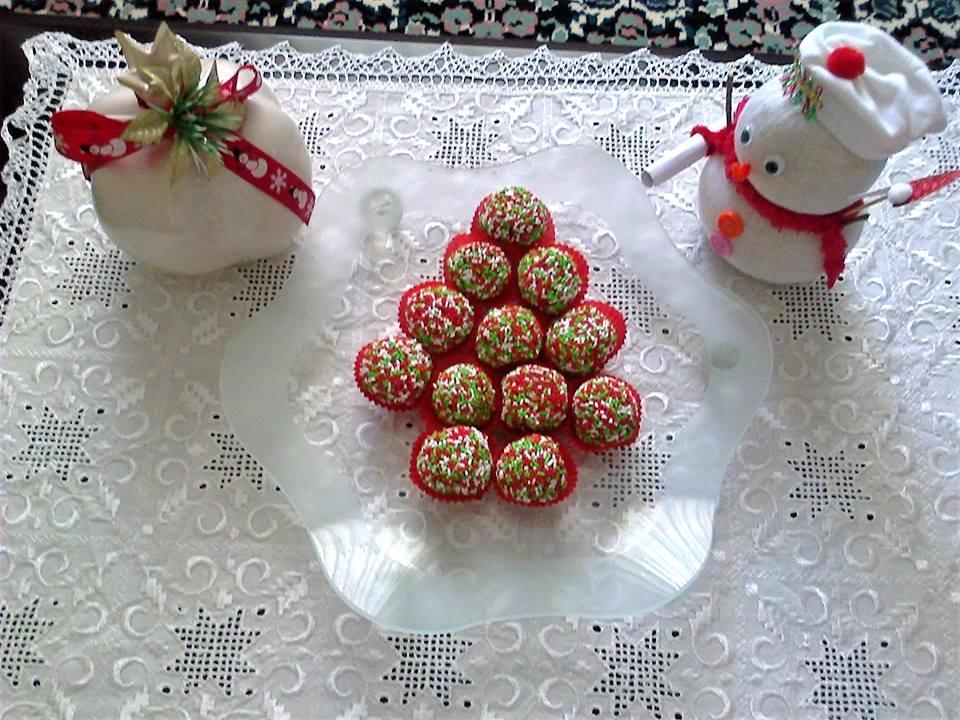 Τα πιο νόστιμα πολύχρωμα Χριστουγεννιάτικα τρουφάκια