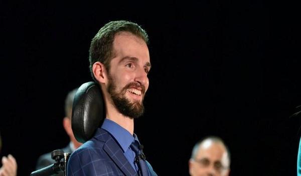 Κυμπουρόπουλος για τον Παναγιώτη-Ραφαήλ: Πάσχω από την ίδια ασθένεια και τάσσομαι υπέρ της θεραπείας
