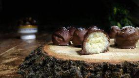 Απίθανα Τρουφάκια Survivor με ΜΟΝΟ 4 υλικά - Chocolate & Coconut Truffles