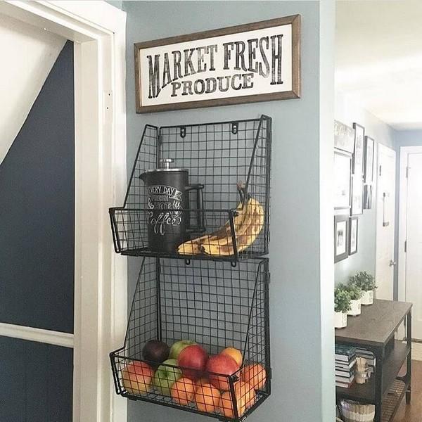 Δείτε πως μπορείτε να διακοσμήσετε τους κενούς λευκούς τοίχους της κουζίνας σας!