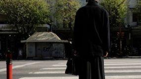 Ιερέας ασελγούσε χρόνια στην 12χρονη kόρη της συντρόφου του