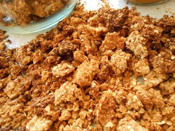 Σπιτικά δημητριακά granola με φυστικοβούτυρο-Simple peanut butter granola!