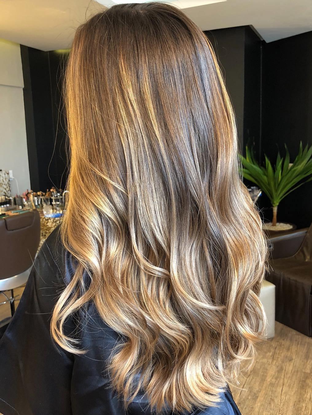 Εντυπωσιακές ιδέες για ανταύγειες για να δώσουμε ζωντάνια και φως στα θαμπά και άτονα κάστανα μαλλιά!