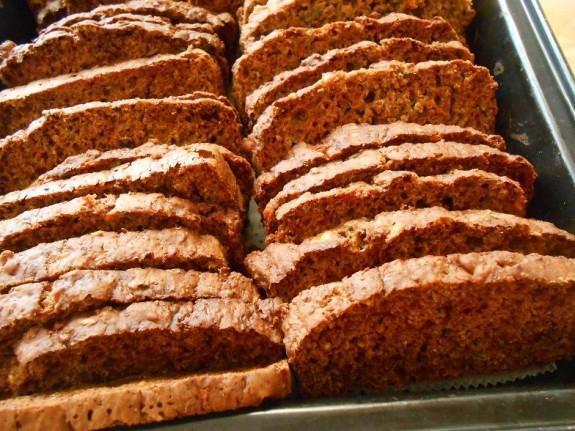 Σπιτικά παξιμάδια ολικής με τυριά και μυρωδικά στο φούρνο-Double baked cheese crackers