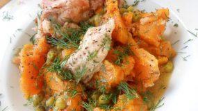 Κοτόπουλο με αρακά και κολοκύθα-Chicken with peas and butternut squash