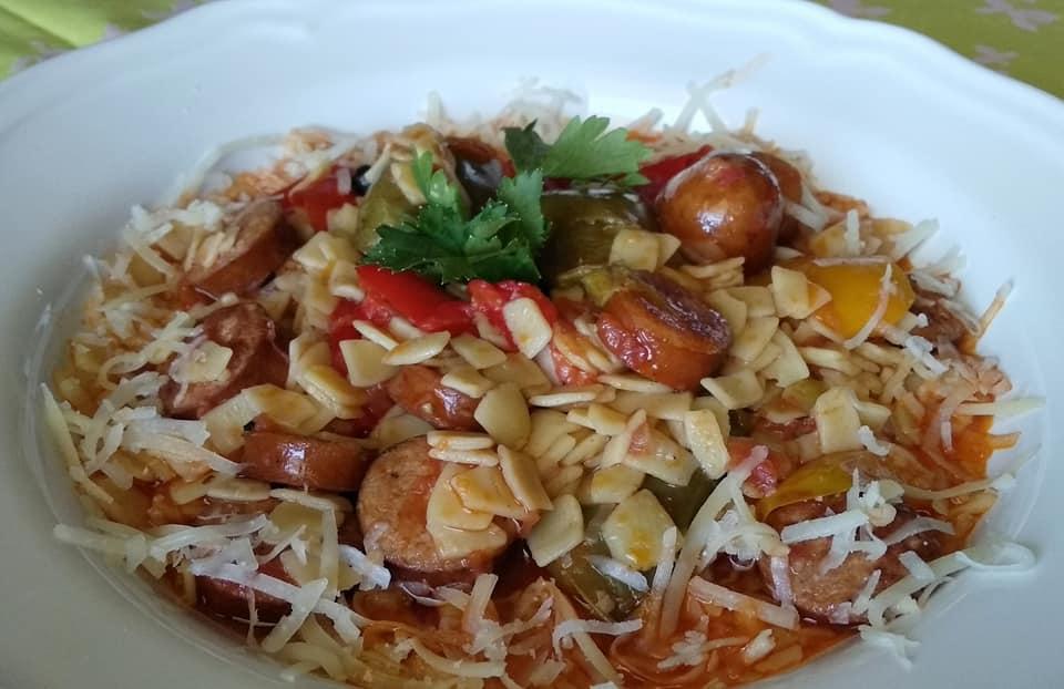 Σπετζοφάι με πιπεριές και χυλοπίτες εύκολο και πεντανόστιμο!
