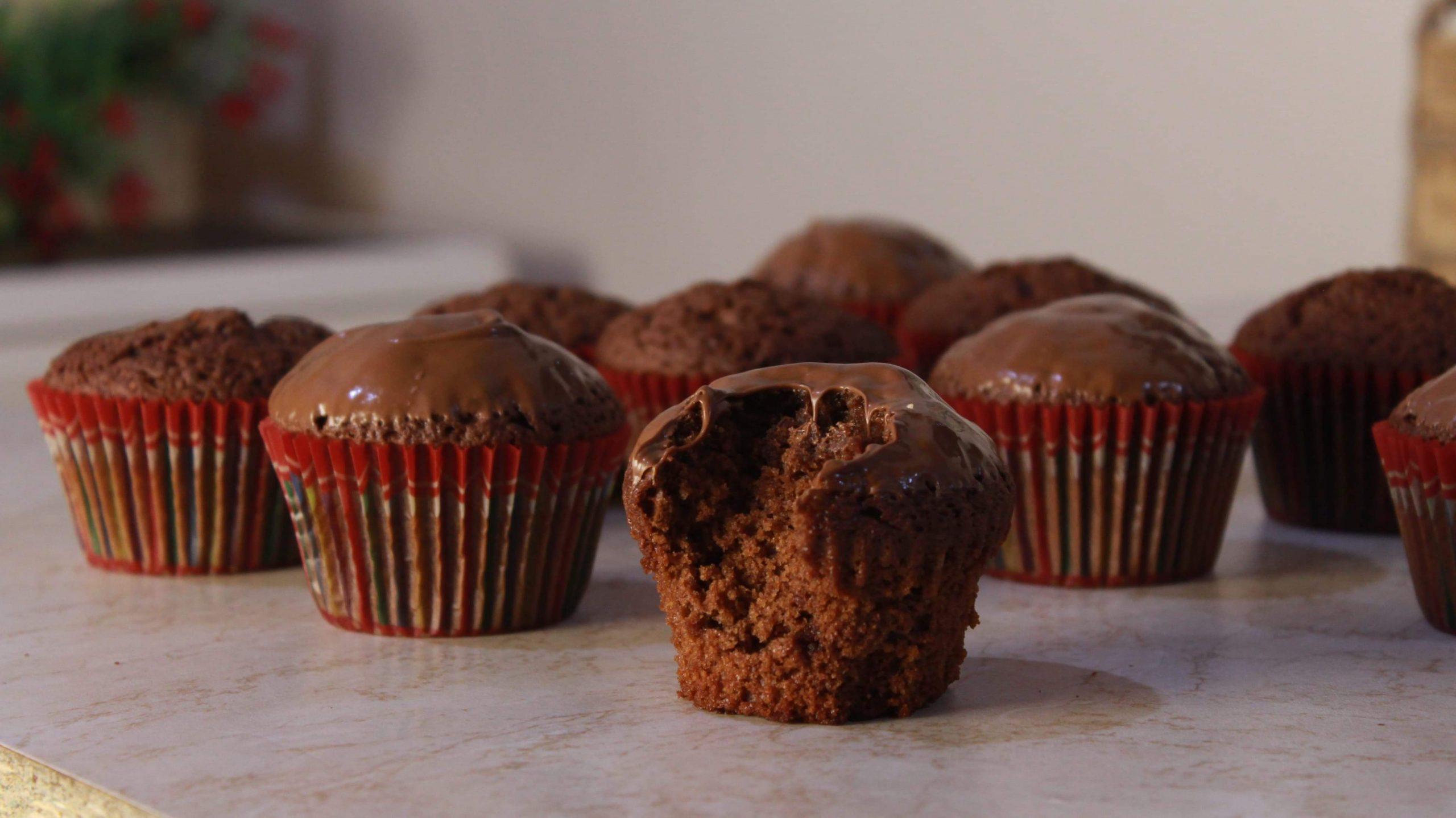 Πανεύκολα Κεκάκια με 3 Υλικά ΜΟΝΟ (ΧΩΡΙΣ ΜΙΞΕΡ) - 3 Ingredients Cupcakes