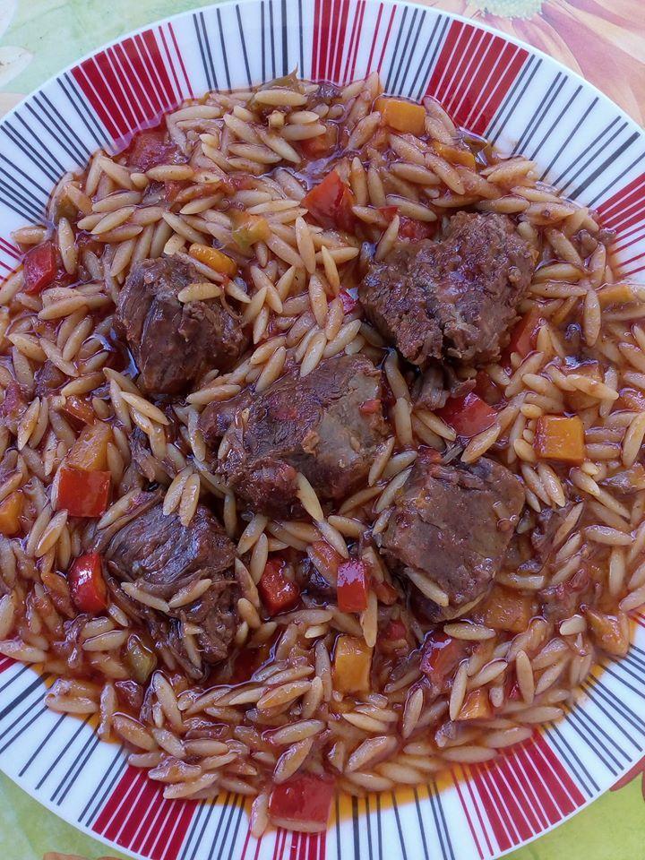 Το οικογενειακό φαγητό: Γιουβέτσι με μοσχαράκι και λαχανικά στη γάστρα πεντανόστιμο