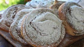 Οι παραδοσιακές Ταχινόπιτες της Κύπρου - Traditional Tahini Pies from Cyprus