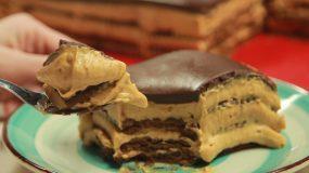 Αργεντίνικο γλυκό Chocotorta με μπισκότα και γκανάζ σοκολάτας