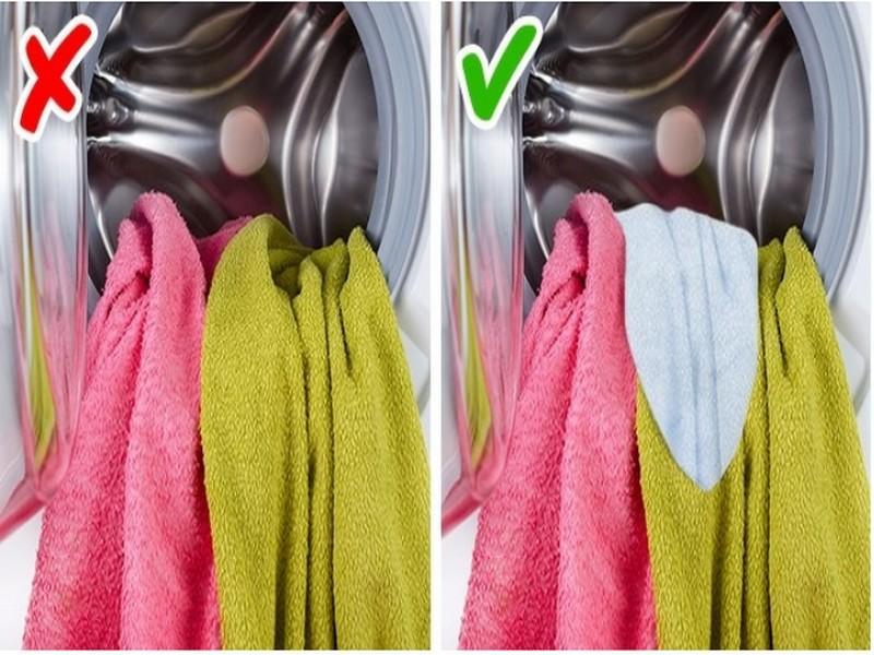"""11 Κόλπα στο πλύσιμο των ρούχων που θα κάνουν τη μπουγάδα """"παιχνιδάκι"""""""
