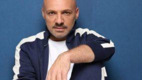 Αγωγή από το OPEN στον Νίκο Μουτσινά- Ζητά 200.000 ευρώ από τον παρουσιαστή