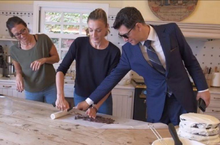Η απίθανη τούρτα της Κάτιας Ζυγούλη και η «εισβολή» του Σάκη Ρουβά στην κουζίνα