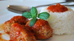 8 Μαγειρικά μυστικά για τα καλύτερα σμυρναίικα σουτζουκάκια!