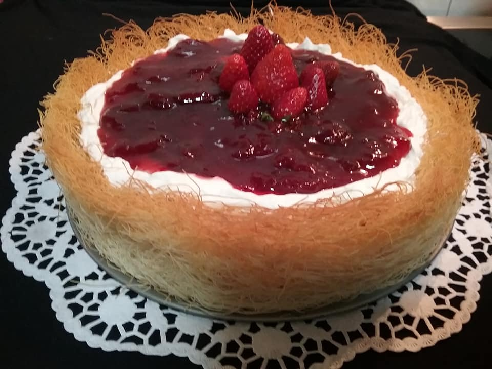 Cheesecake με κανταΐφι, σαντιγί και μαρμελάδα! ΜΟΝΟ 6 υλικά